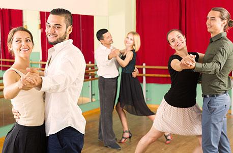 Lateinamerikanische-Tanzkurse
